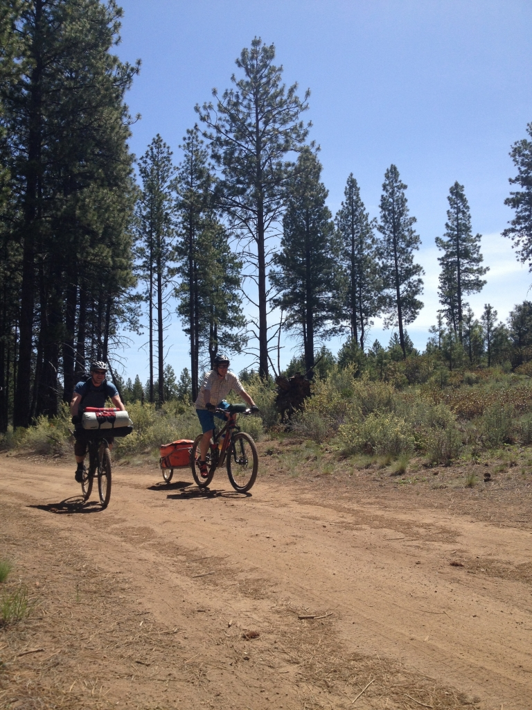 bike touring central oregon